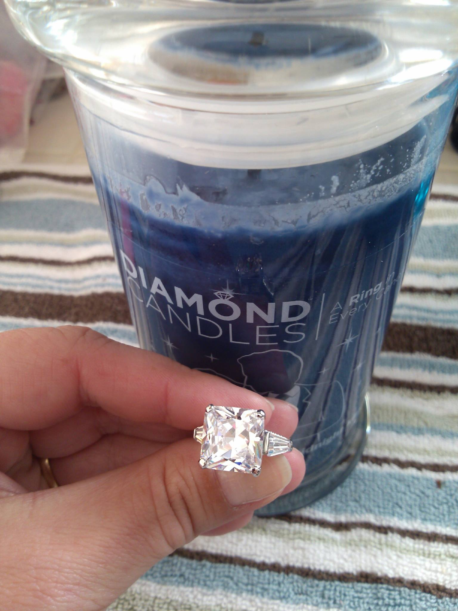 Single Blog Giveaway! Win a Diamond Candle or $25 PayPal! Ends 11/6/2014 5:00 am PST