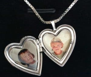 Mother's Day PictureOnGold Design Your OWN Locket Giveaway!!